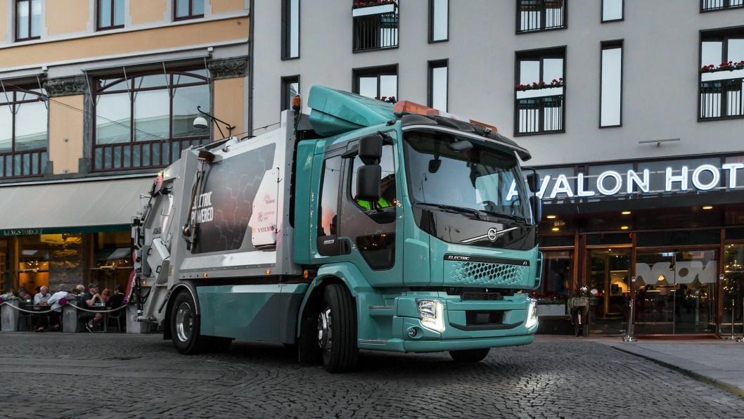 Volvo FL Electric, Volvos første elekriske lastebil, er utviklet for distribusjon, renovasjonskjøring og andre bruksområder i bytrafikk.