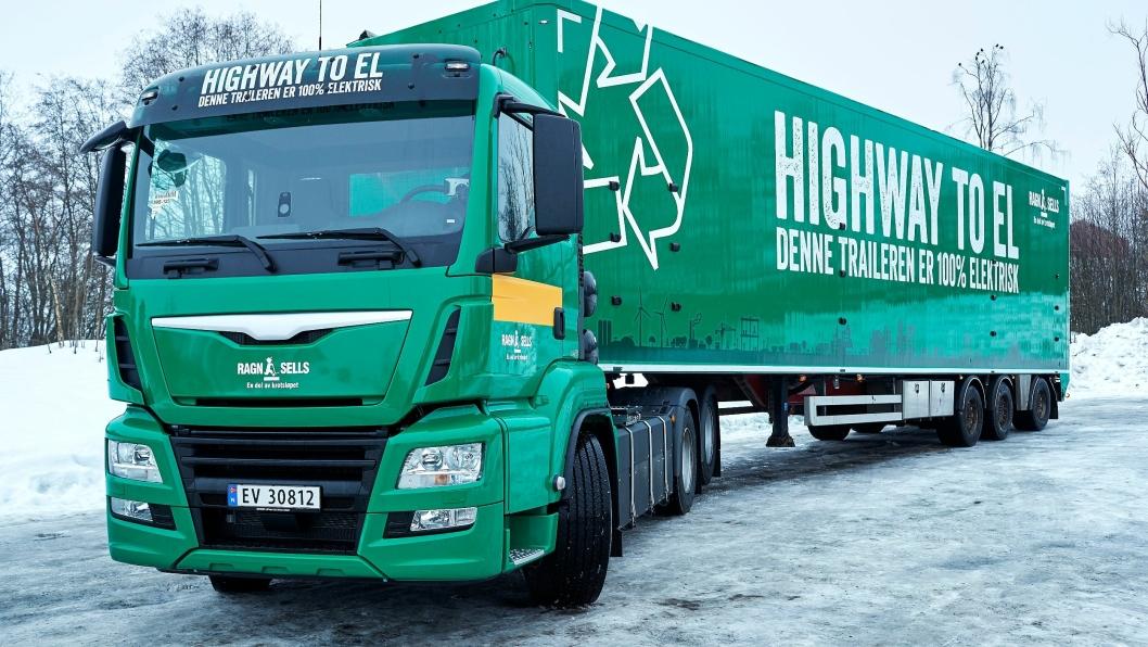 Ragn-Sells nye 44 tonns vogntog er av de elektriske motorvognene som i gitte tilfeller kan benytte kollektivfelt.