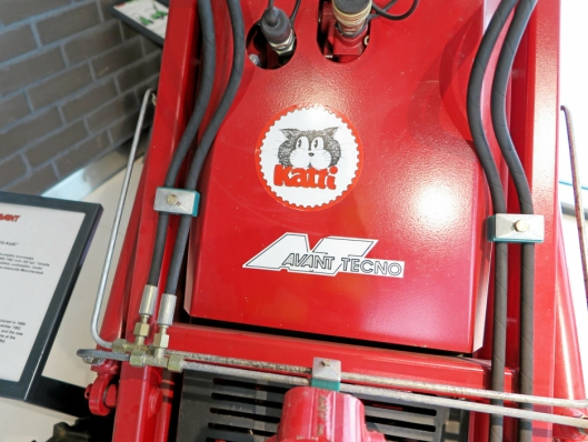 HISTORIEN: Den første maskinen fra Avant Tekno hadde Katti som logo, trolig inspirert av Bobcat.