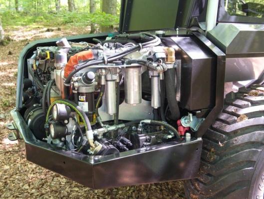 En Cat 3.4B Steg IIIB gir krefter til lassbæreren. (55 kW ved 2200 o/min og 318 Nm ved 1400 o/min.)