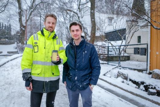 FORNØYD DUO: Henrik Berntsen (t.v.) fra Braathen Landskapsentreprenør og Morten Sandin, salgsansvarlig fra SmartDok.
