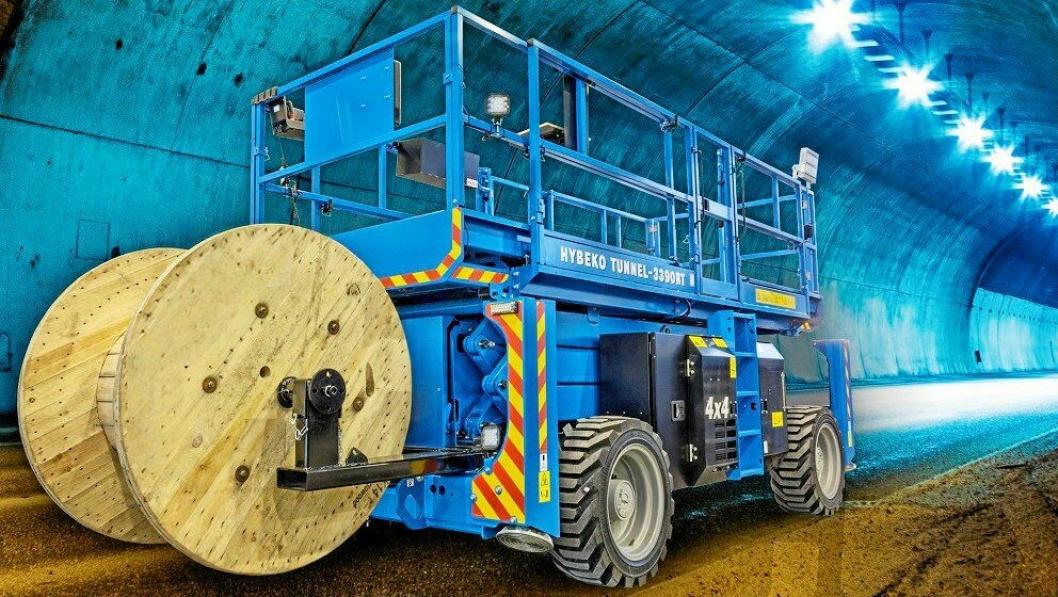 TO I EN MASKIN: Hybeko Tunnel 3390 RT-liften som fikk prisen som «Årets produkt» i Dubai.