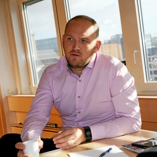 Jon Georg Dale må nok løses fra ministerposten, justis, ganske raskt for å konsentrere seg fullt og helt på transport- og samferdselsoppgavene. Foto: Per Dagfinn Wolden