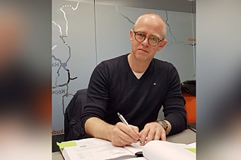Signerte Padlane-Klovning-kontrakt