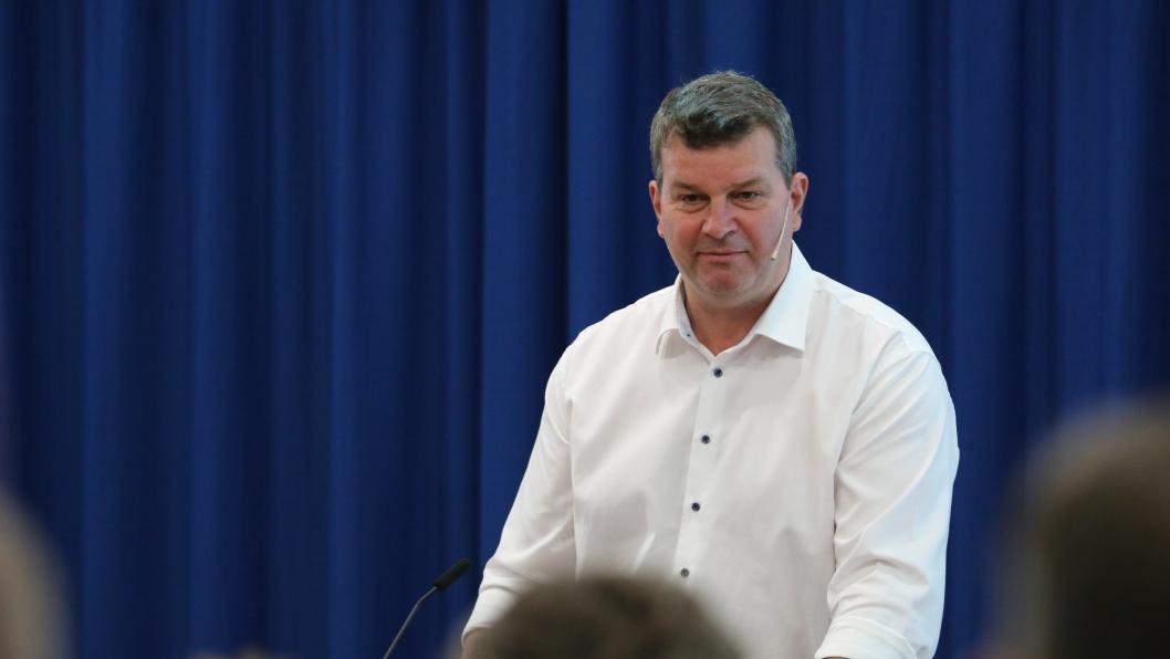 LO-leder Hans-Christian Gabrielsen kan mandag ta ut over 20 000 medlemmer i streik dersom en tvungen mekling ikke fører frem.
