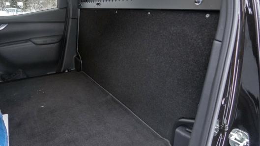 VAREROM: Bare en tynn stålplate i bakveggen gjør at det blir mer støy i norske varebiler enn biler med bakseter.