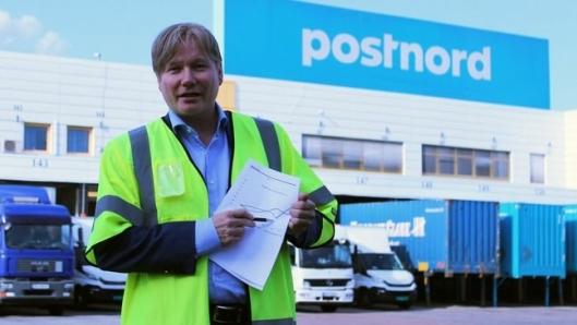 – Dette er kritisk, sier kommunikasjons- og markedsdirektør i PostNord Ole A. Hagen som har erstattet transport på tog med lastebiler.