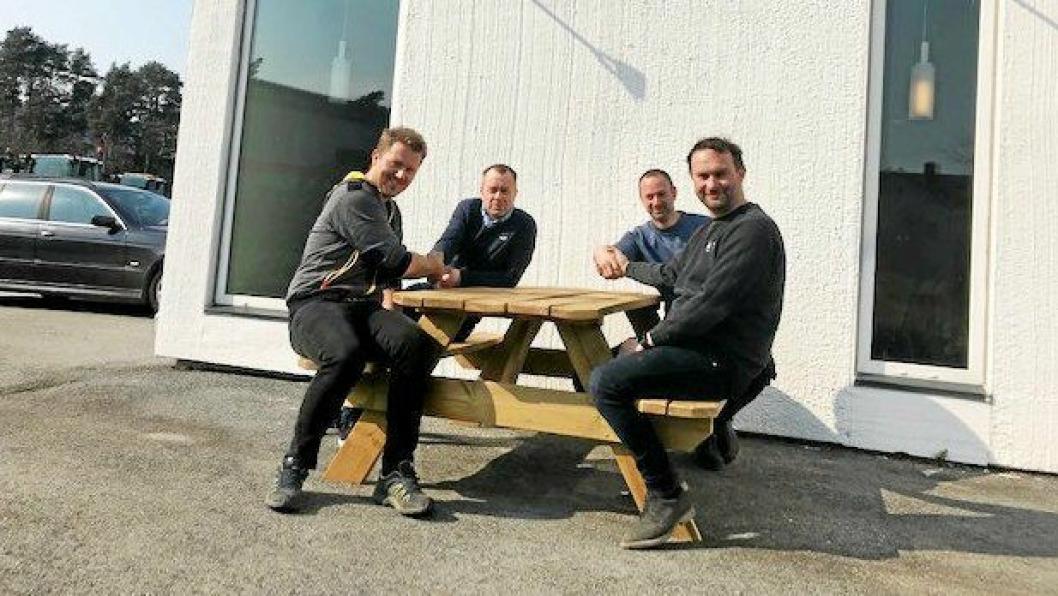 Den tradisjonsrike bedriften Amento/Flekkefjord Produkter AS har fått nye eiere.Like før påsken ble den nemlig klart at Agder Group kjøper opp bedriften som har produsert graveutstyr, hurtigkoblinger og skuffer i 25 år.