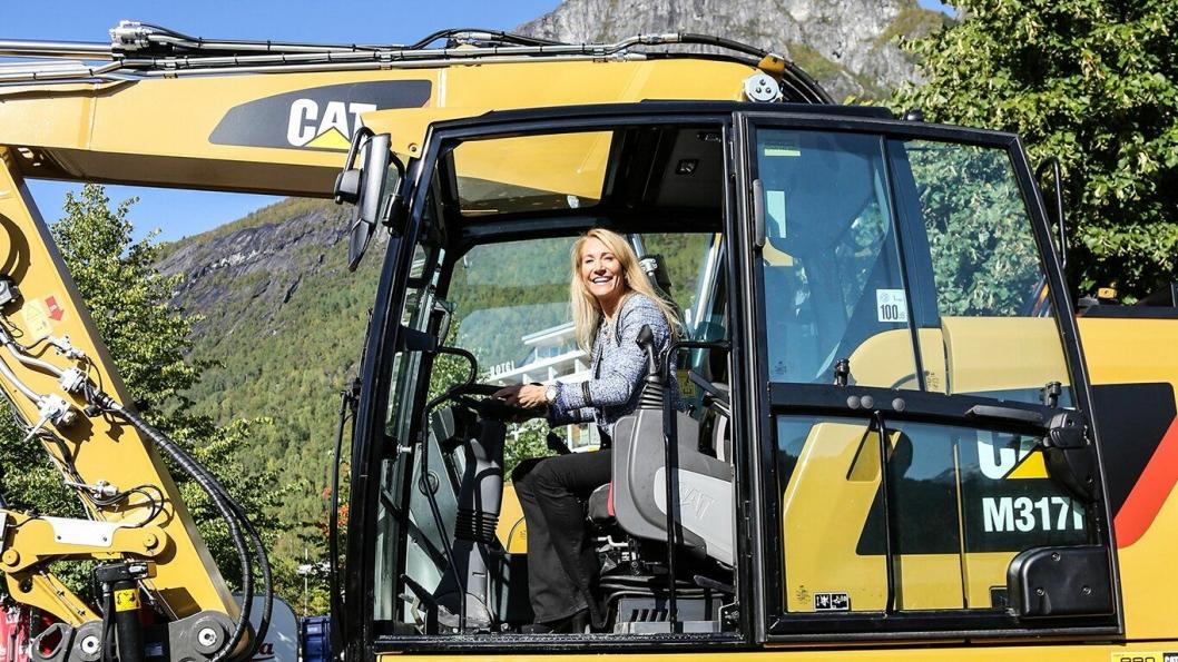 MEF lanserer en konkurranse for anleggsentreprenører over hele landet der målet er å oppnå størst mulig reduksjon i tomgangskjøringen. Julie Brodtkorb, administrerende direktør i Maskinentreprenørenes Forbund (MEF), lever an.