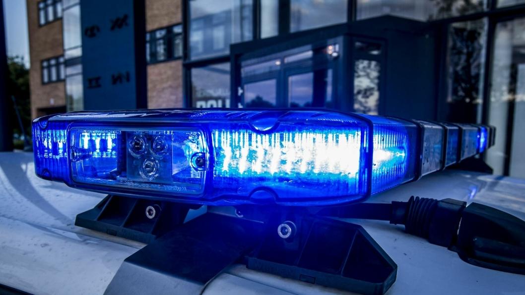 I Danmark er det politiet som står for tungbilkontrollene langs veiene.