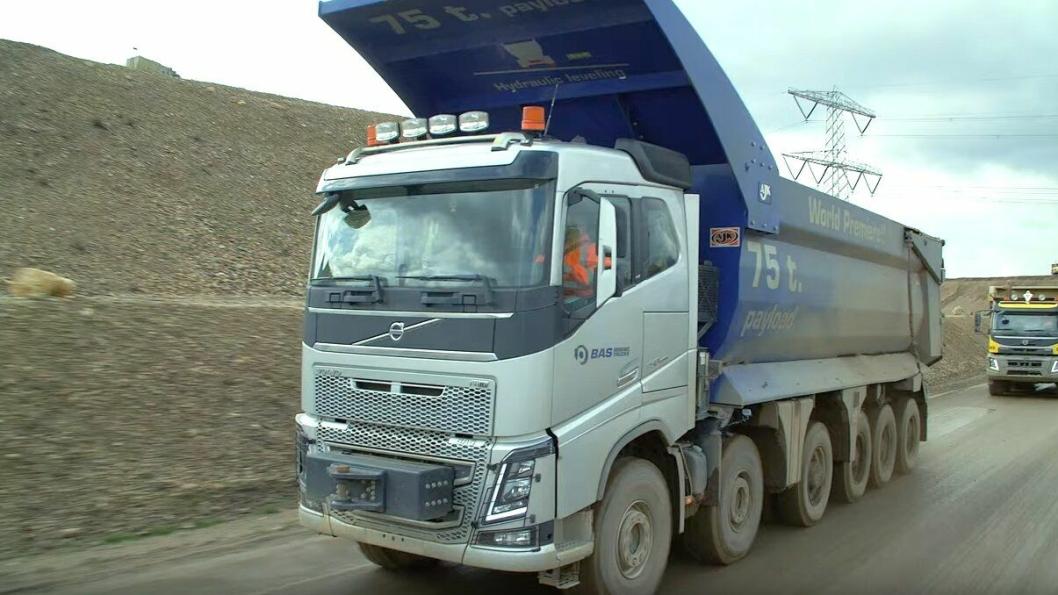 BAS Mining Trucks Volvo FH16 12x6 75 tonn nyttelast.