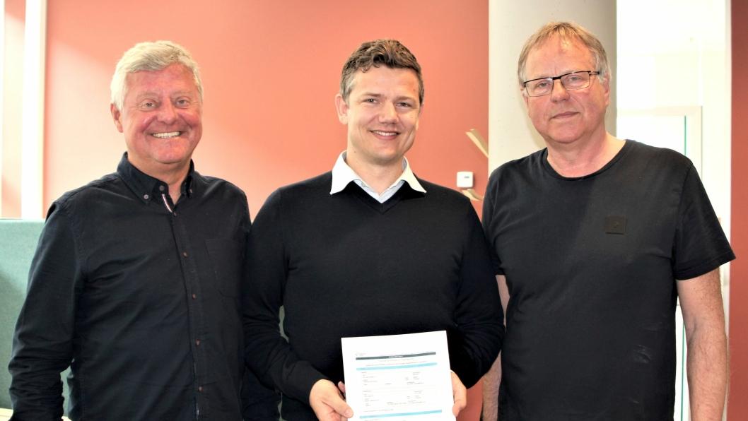 F.v: Prosjektsjef Bjørn Remen fra Sykehusbygg HF, distriktsleder i NCC, Lars Petter Gamlem og fungerende eiendomssjef ved St.Olavs Kjell Ivar Svaan.