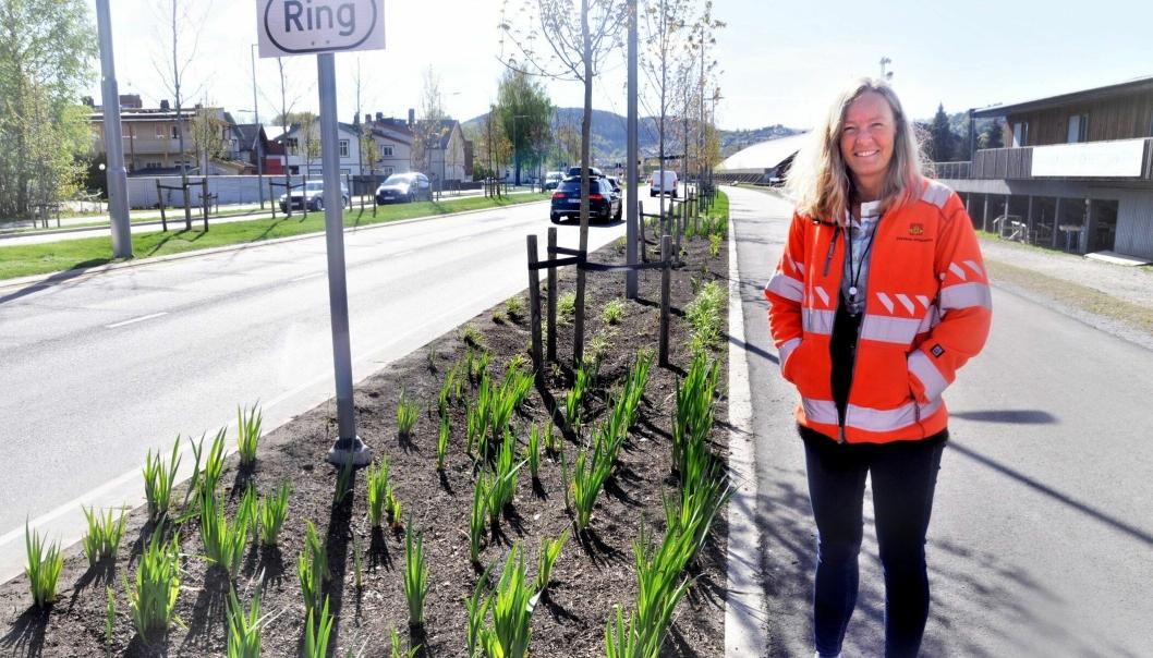 Kirstine Laukli tar doktorgrad på regnbedene i Drammen.