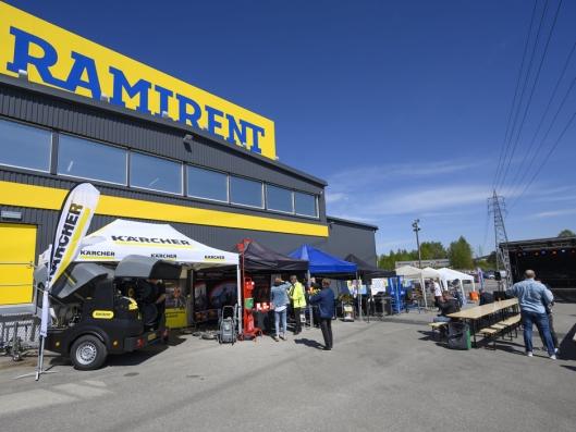 UTSTILLERE: 25 av leverandørene til Ramirent viste frem hva de har å tilby.