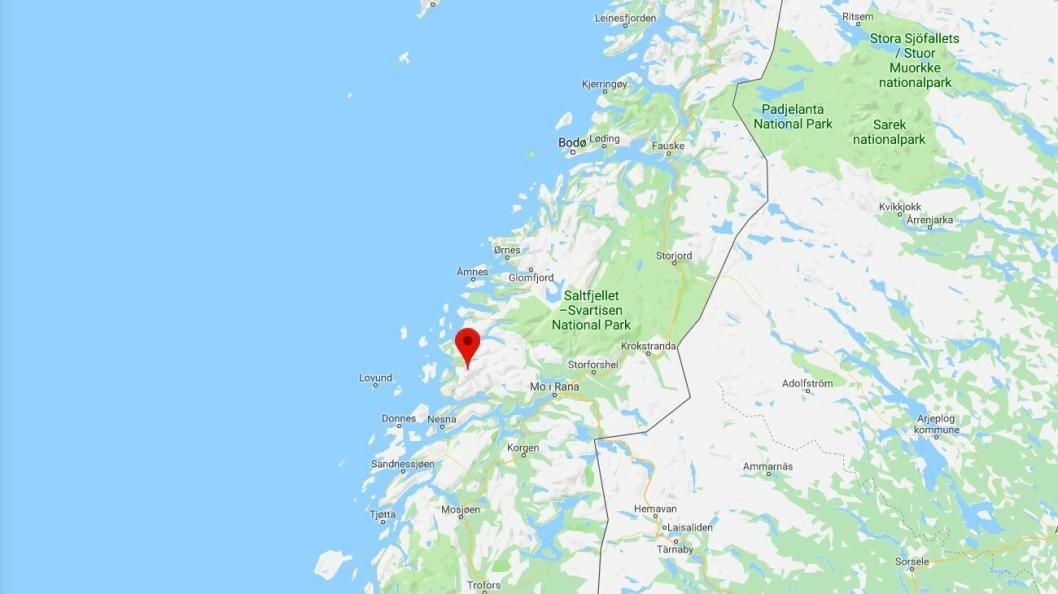 Ulykken skjedde ved Smibelgvatnet i Rødøy kommune (Nordland).