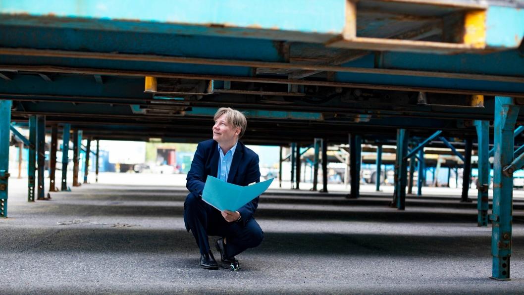 Kommunikasjons- og markedsdirektør Ole A. Hagen ved utbyggingsområdet i Langhus (foto: Sofie Skadal).