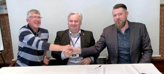 Signerte «utfordrende kontrakt»
