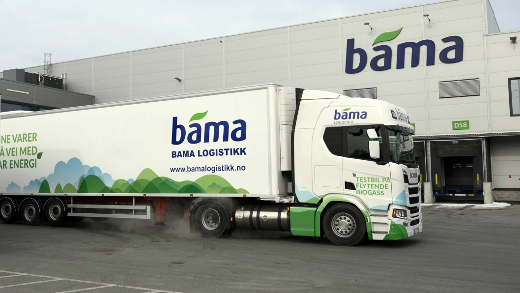 Bama Logistikk har satset på miljøvennlig transport. Dette vogntoget på biogass vil om ikke lenge kunne få økonomiske fordeler i Oslo-bommen.