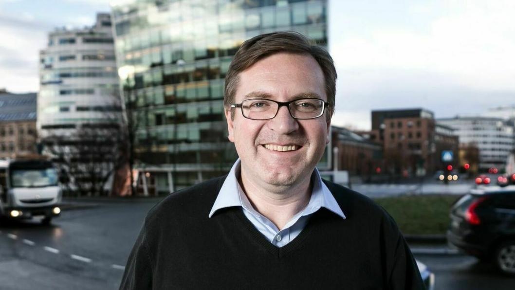 Generalsekretær Trond Jensrud i Yrkestrafikkforbundet reagerer kraftig på Ap-leder Jonas Gahr Støres utsagn om Brings ansettelse av sjåfører.