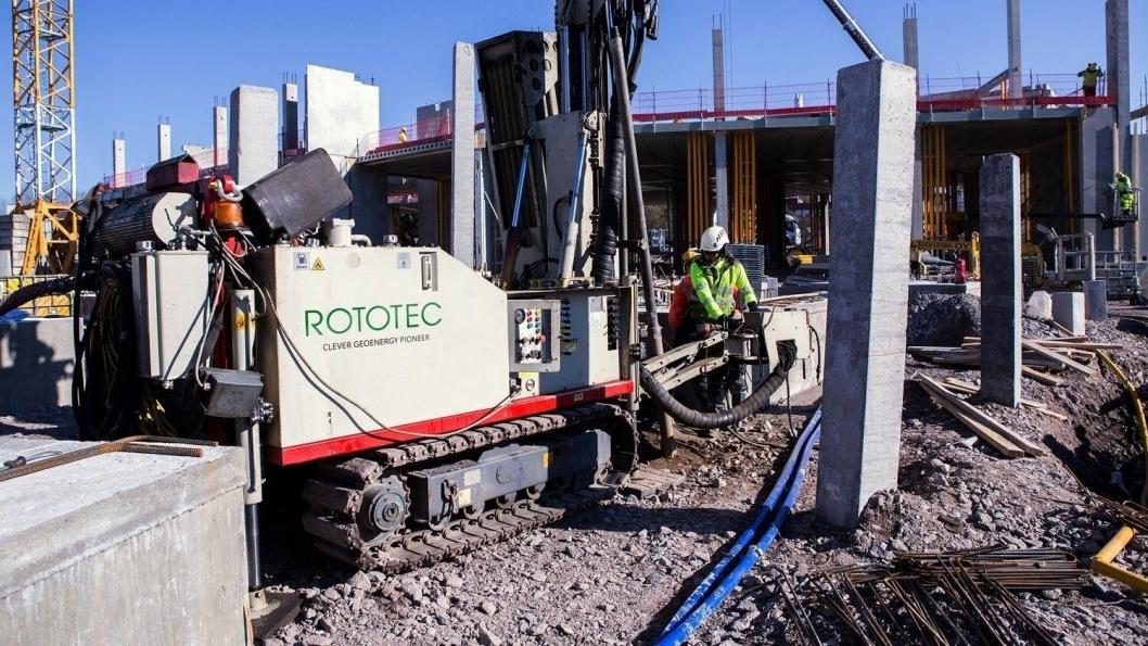 Rototec skal bore 96 brønner under nytt sykehus.
