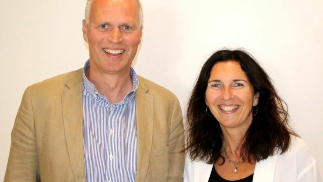 Hans Gunnar Dokken (Norsk Jernbanedrift) og Ingvild Storås (Baneservice) er godt fornøyde mer oppkjøpet.