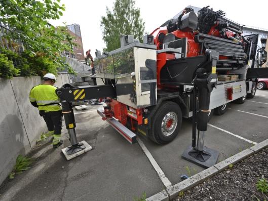BAKBEIN: Støttebenet bak bilen ligger inne i rammen når det ikke er i bruk.