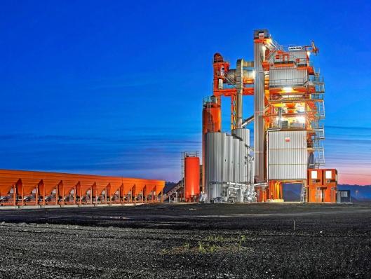 ASFALTFABRIKK: Moderne asfaltfabrikk fra Ammann.