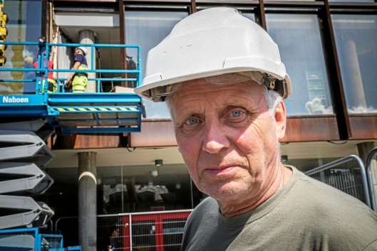 VILLE TESTE: Harald Goksøyr i Fasader og Glass AS i Bergen.