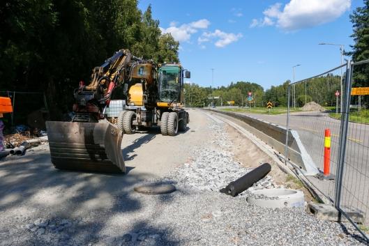 Det anlegges ny gang- og sykkelvei fra Hvervenbukta til Fiskevollen. Norsk Trafikksikring er totalleverandør på alt av sikring.