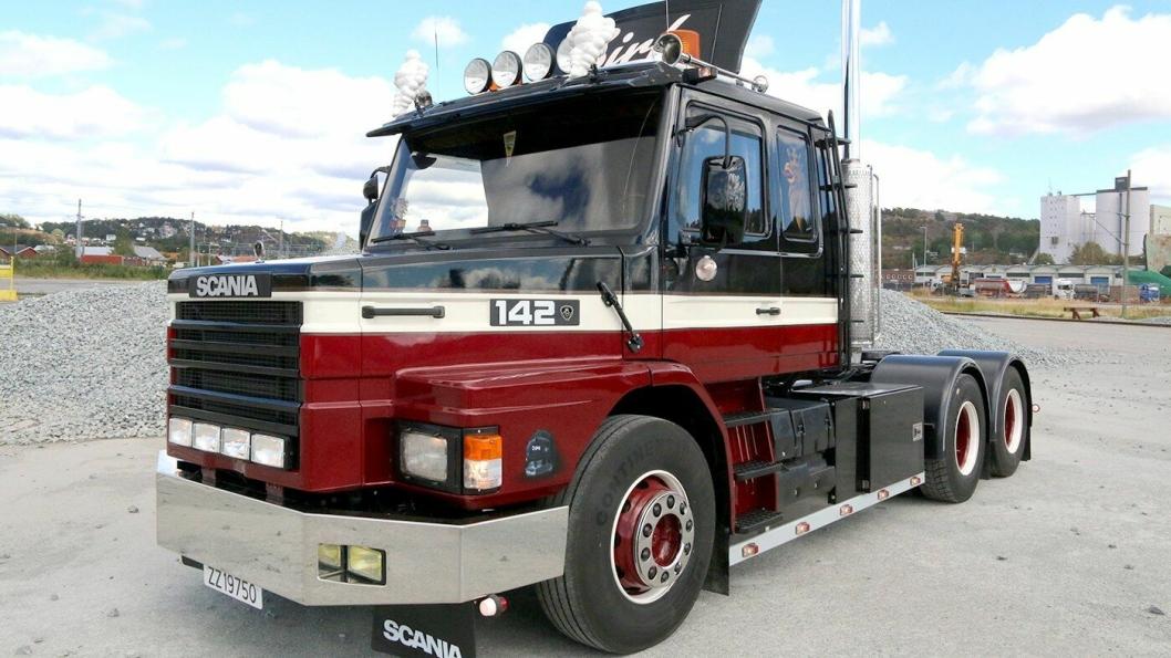 1988 Scania T142 er det nyeste kjøretøyet som deltar.