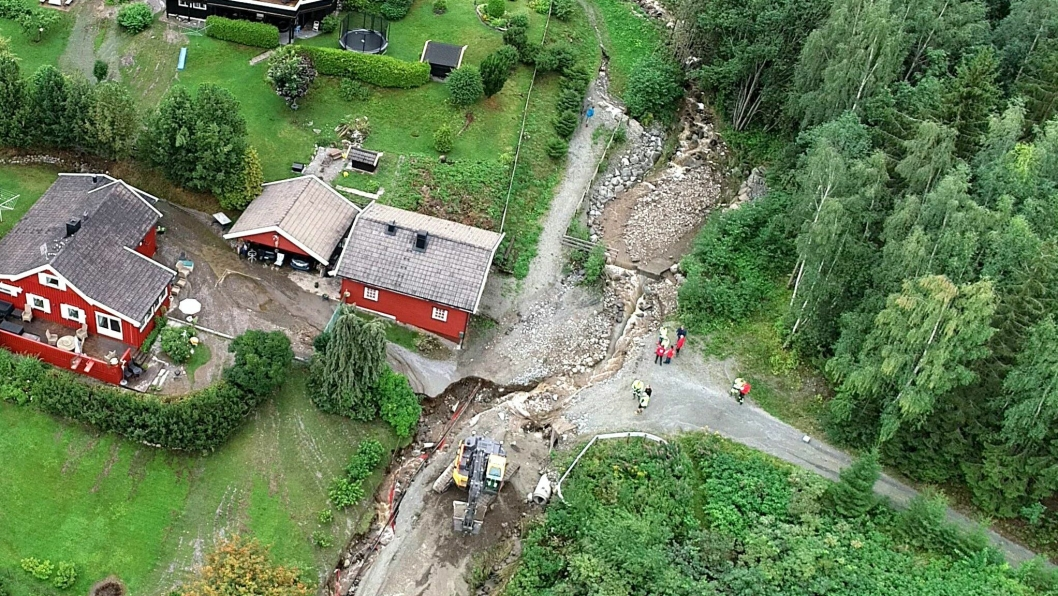 Bekkelukking som gikk tett i Brumunddal ved kraftig nedbør.