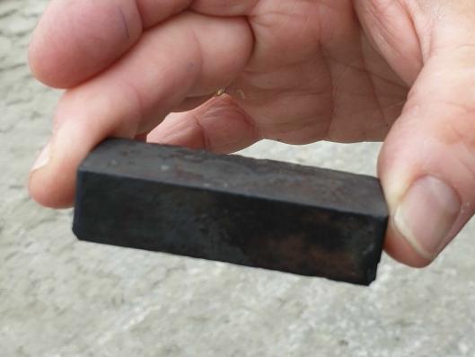 Denne magneten ble brukt for å forstyrre signalene til fartsskriveren.