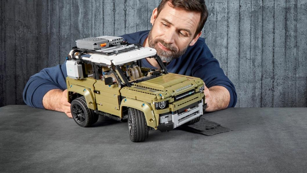 Lego Technic Land Rover Defender er i salg på nett fra 1. oktober 2019.