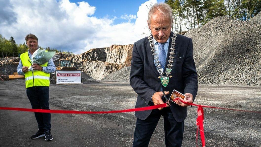 Ordfører i Re, Thorvald Hillestad, sto for båndklippingen på åpningen tirsdag 3. september.