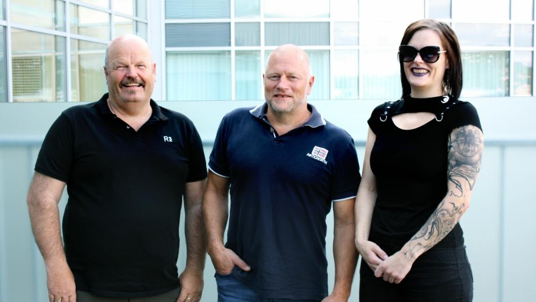 Bergfinn Alund, Bjørn Bjelde og Linda Bjelde i R3 er fornøyd med å ha sikret et kjempeoppdrag for bedriften.