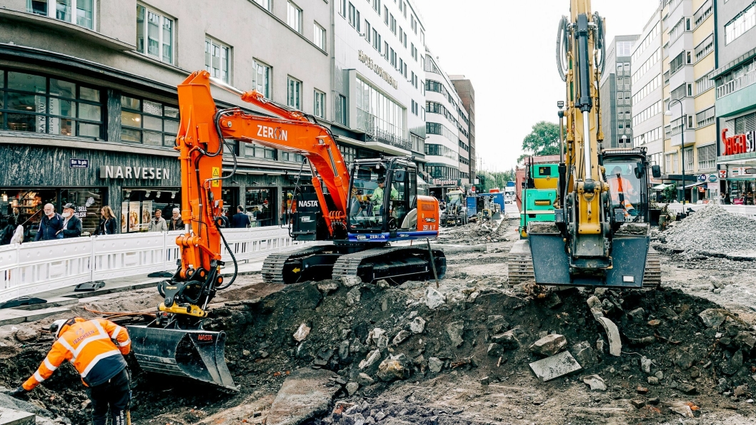 På anleggsplassen i Olav Vs gate og den østlige delen av Klingenberggata i Oslo brukes det bare elektrisk drevne anleggsmaskiner.