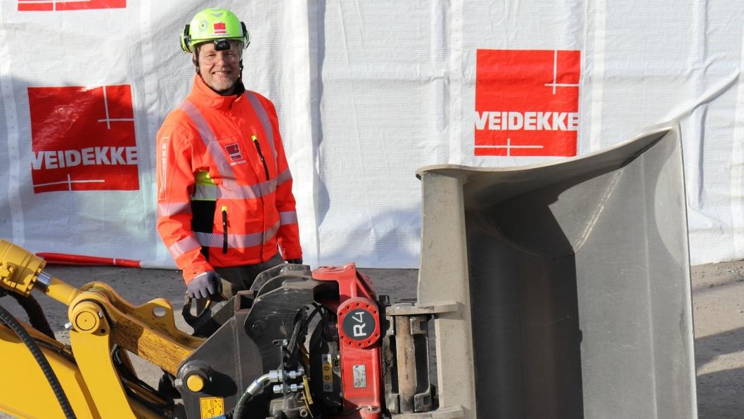 Veidekkes konsernsjef Jimmy Bengtsson fronter nytt krav fra Veidekke om sikker festing av redskaper på gravemaskiner.
