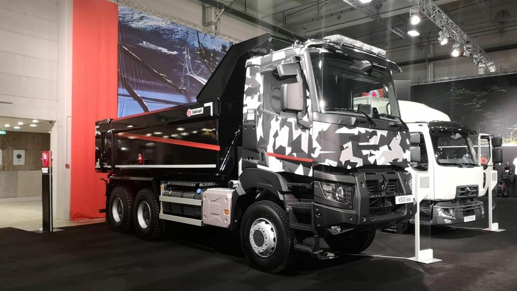 Denne tøft folierte Renault K520 6x6 Heavy-en markerer starten på salget av anleggsbiler i Renaults K-serie fra importør Volvo Norge.