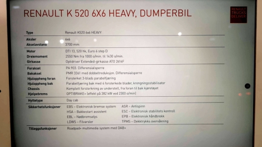 Tekniske spesifikasjoner om Renault K520 6x6-en som sto utstilt på messen.