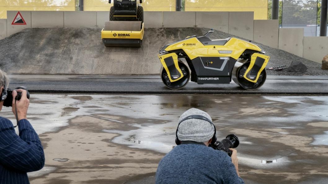 SELVKJØRENDE: Asfaltvalsen Robomag er den første autonome asfaltvalsen som er bygd for å være selvkjørende.