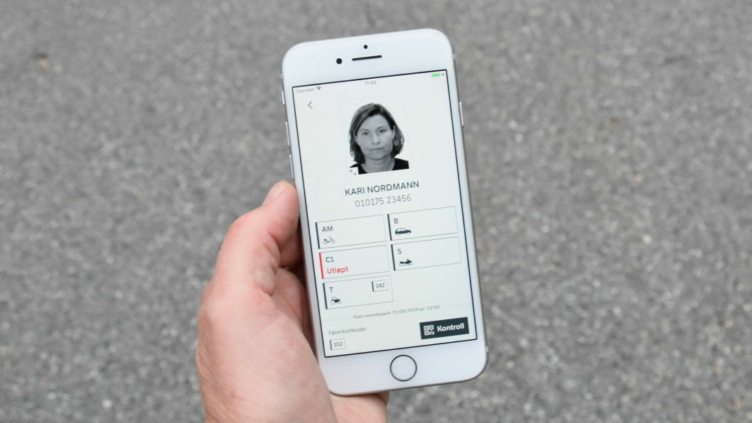 2,2 millioner førerkort-innehavere kan bruke det nye digitale førerkortet, men foreløpig bare i Norge.