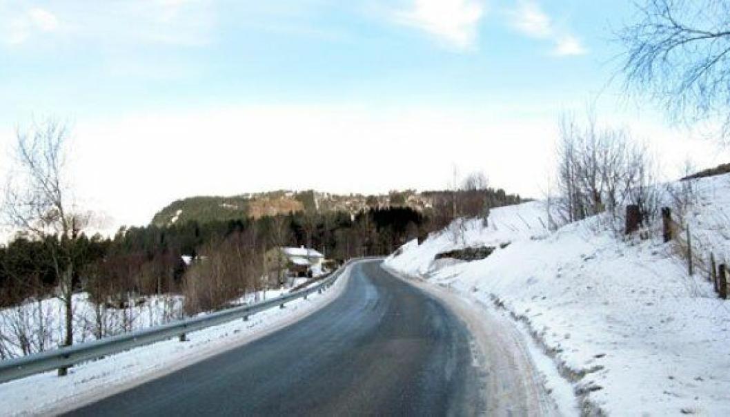 Prosjektet E39 Myrmel–Lunde er ett av tre prosjekter kan startes i 2020 med regjeringens budsjett. Prosjektet omfatter utbedring og omlegging av 3,7 km smal og svingete vei i Gaular kommune, nord for Sande i Sogn og Fjordane.