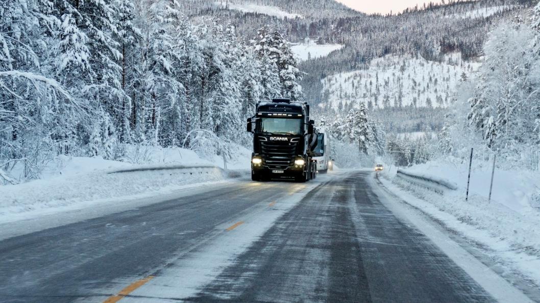 En 42 kilometer lang strekning av rv. 25, fra Ulvåa nær kommunegrensa mellom Elverum og Trysil til Knetten mot svenskegrensa blir driftet som «vintervei» fra og med vinteren 2019/2020.