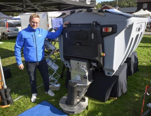 Sprederen IceStriker kan Frank Mäenpää tilby både i tilhengerversjon og opp til 2100 liter fast masse i tillegg til de mindre pickup-variantene.