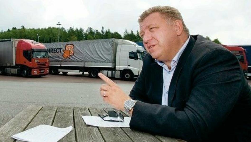 Geir A. Mo, adm. direktør i Norges Lastebileier-Forbund (NLF): - For oss er det transport som gjelder, og at våre medlemmer leverer de beste transportløsningene, noe som i de aller, aller fleste tilfeller involverer en lastebil. Men vi har også medlemsbedrifter som bruker varebiler, tog, fly og båt, sier «lastebilgeneralen» som også understreker at NLF arbeider beinhardt for å sikre gode vilkår for transportnæringen. – Vi skal levere konkurransedyktige norske transporttjenester i en tid med et sterkt økende transportbehov og en stadig sterkere internasjonal konkurranse, understreker Mo.