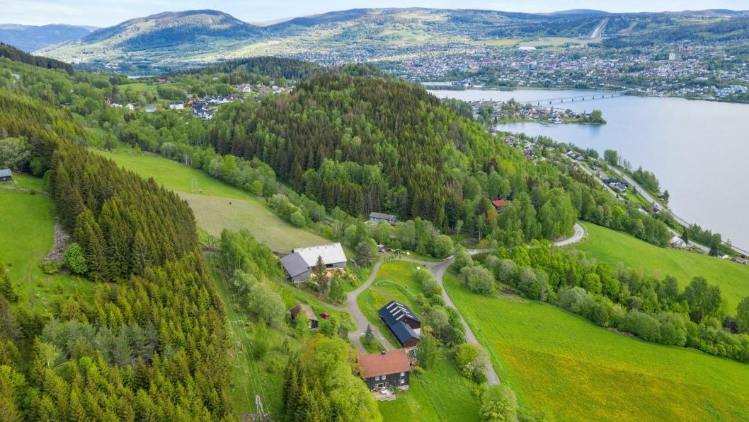 Nye Veier har kjøpt Øyre gård i Lillehammer.