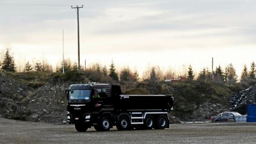 MAN: To MAN Hydrodrive tippbiler er også på plass. Her MAN TGS 35.500 HBL 8x6