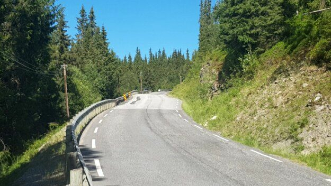 Fv. 27 Rondevegen, Venabygd, trengte som bildet viser, en oppgradering. Nå gjenstår bare asfalteringen av jobben. Men denne må vente til våren, siden det er kaldt i området.