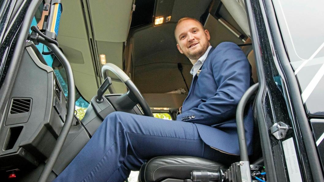 Jon Georg Dale ønsker å gjøre ting enklere for transportbansjen, gjennom innføring av elektroniske fraktbrev.