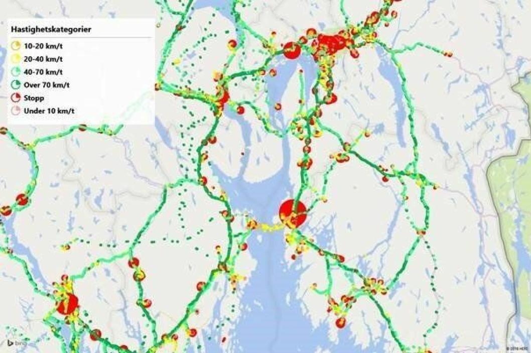 Figur. GPS-data kan f.eks. brukes til å identifisere veivalg, når bilene kjører, hvor det er flaskehalser og hvor og hvor lenge kjøretøyene stopper for levering. Datakilde: Testdata fra april måned for ca. 90 lastebiler / Google Maps.
